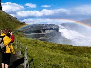 island-regenbogen-wasserfall