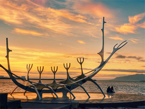 Reykjavik Sehenswürdigkeiten - Wikingerschiff