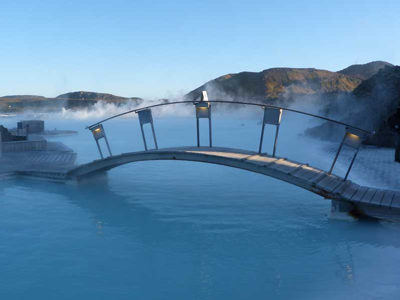 Warum nach Island reisen? Warmes Bad in der Blauen Lagune