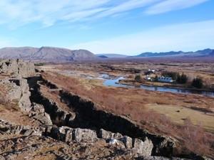 Schlendern Sie durch die Kontentalspalte im Thingvellir Nationalpark