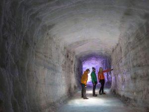 Tour ist die Eiswelt des Gletschers Langjökull