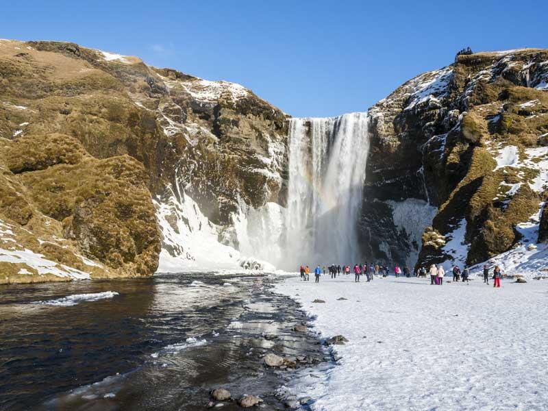 Südisland Island-skogafoss-wasserfall-winter-schnee