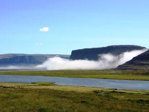Fjordlandschaft in Borgarfjördur Island