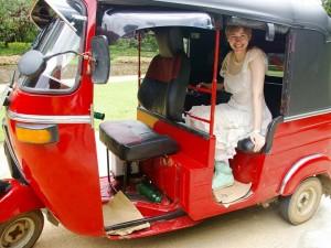 Tuk Tuks sind typische Verkehrsmittel in Sri Lanka