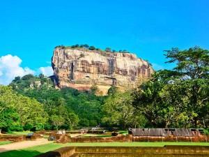 Blick auf den Sigiriya Felsen