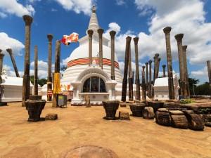 Eine typische Stupa in Anuradhapura