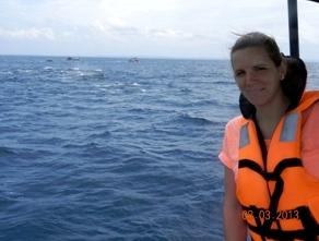 Reisespezialistin Verena bei der Walbeobachtung