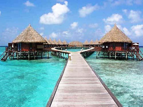 Angaga-Bungalows am Malediven-Strand