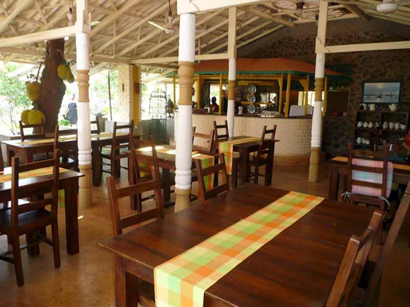 Das Restaurant bietet einheimische Küche