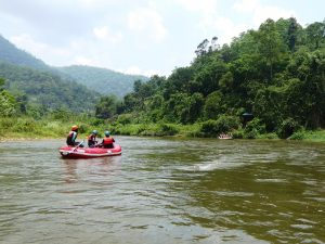 Sri Lanka Rafting - Boot im Fluss