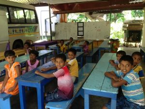 Schulklasse in Sri Lanka