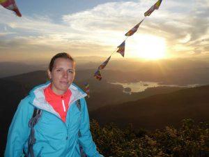 Reisespezialistin Verena auf dem Gipfel des Adam's Peak