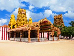 Ein reichverzierter, hinduistischer Tempel in Jaffna