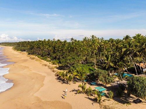 Der weitläufige Strand in Tangalle