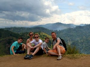 Sri Lanka Rundreise mit Kindern - Familie am Little Adam´s Peak