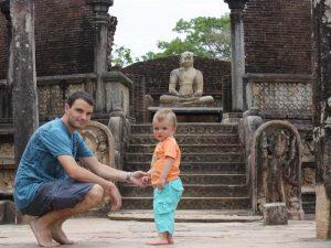 Erkundung der Tempelruinen von Polonnaruwa