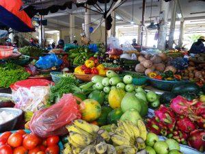 Ein farbenfroher vietnamesischer Markt