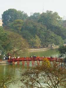 Brücke über den Hoan Kiem See