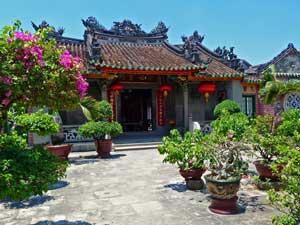 Vietnam Rundreise 3 Wochen Hoi An Tempel