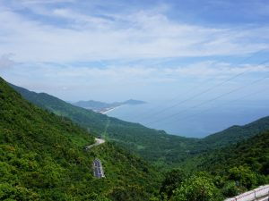 Von Kaiserstadt Hue Vietnam über den Wolkenpass nach Hoi An