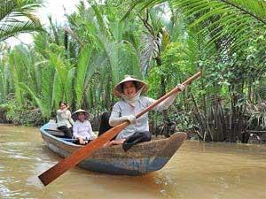 Mit dem Boot über die Nebenflüsse des Mekongs