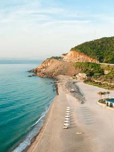 Ein Blick auf den Strand des Resorts