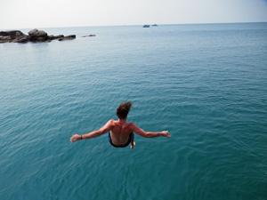 Con Dao - Sprung ins Meer