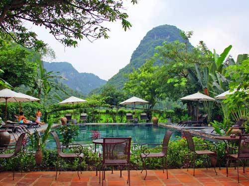 Pool Ihres Komforthotels in der trockenen Halong Bucht