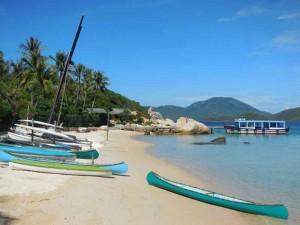 Strandurlaub Vietnam - Kajak auf Palmeninsel