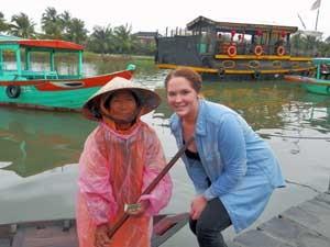 Neue Bekanntschaft im Mekong Delta auf der Reise von Vietnam nach Kambodscha