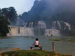 Ban Gioc Wasserfall am frühen Morgen