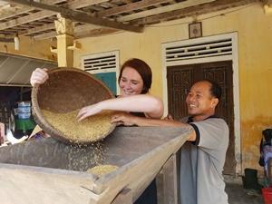 Hue und Hoi An Ausflüge: Reisverarbeitung