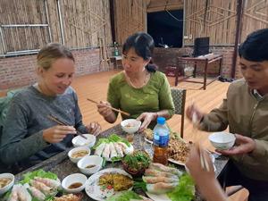 Vietnam Urlaub Gastfamilie kochen