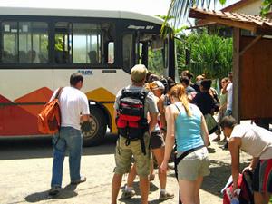 Mit dem Bus das Land bereisen