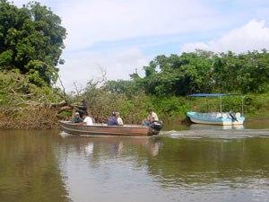 Mit dem Boot auf dem Caño Negro