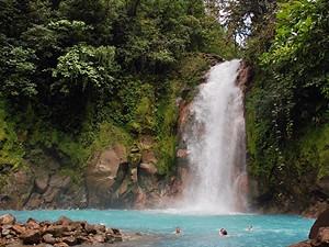 Wasserfall in La Fortuna bei Mittelamerika Rundreise