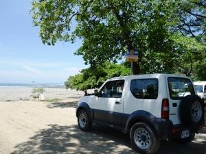 Mit dem Mietwagen am Strand