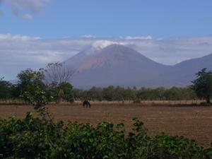 einer von vielen aktiven Vulkanen in Nicaragua