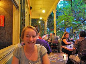 Genießen Sie ein leckeres Abendessen im Cafe Mundo