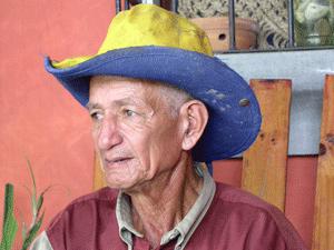 Tico mit Hut