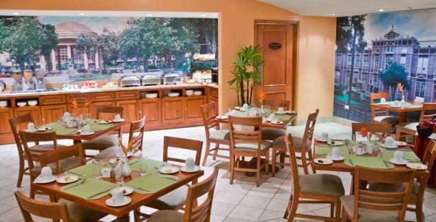 Frühstücksraum im Hotel in San Jose