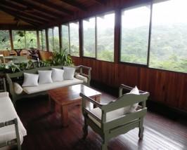 Die Lounge der Komfortunterkunft in Monteverde