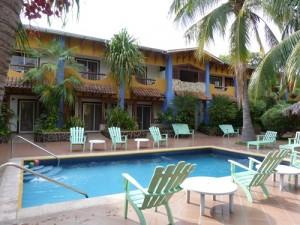 Hotelpool in Managua bei Mittelamerika Rundreise