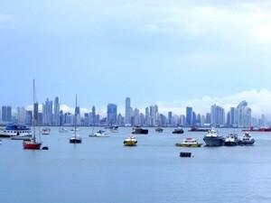 Skyline von Panama Stadt bei Mittelamerika Rundreise