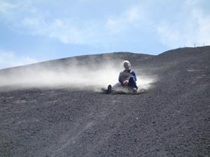 sandboarding-cerro-negro-leon-nicaragua