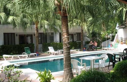 Swimming Pool Ihrer Lodge