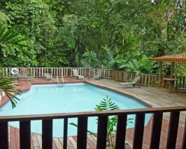 Pool im Grünen in Sarapiqui