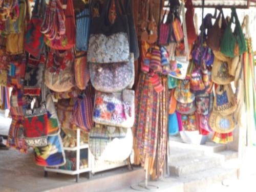 marktstand-in-masaya-nicaragua