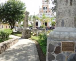 Kleiner Park vor der Kathedrale von Granada