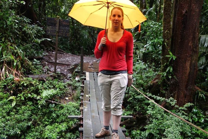 Unsere Reisespezialistin am Rio Celeste